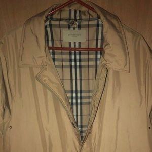 Size XL Burberry coat
